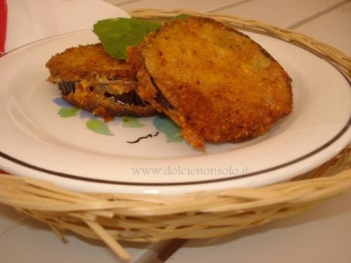 Melanzane a cotoletta con mozzarella e speck