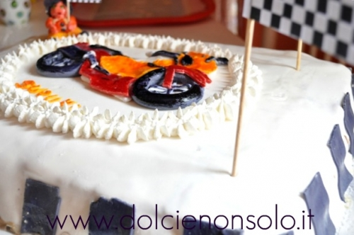 torta con moto4.jpg