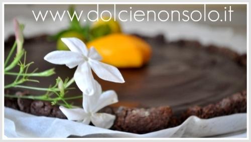 crostata con ganache e confettura di fragole.jpg