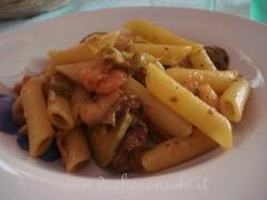 Pasta con zucchine e gamberetti.JPG