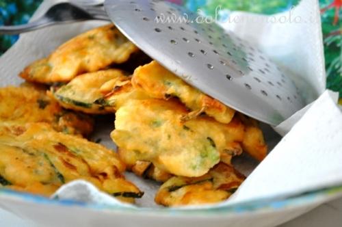 Frittelle di zucchine con talli e patata