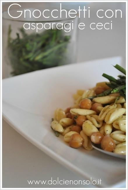 Gnocchetti con asparagi e ceci