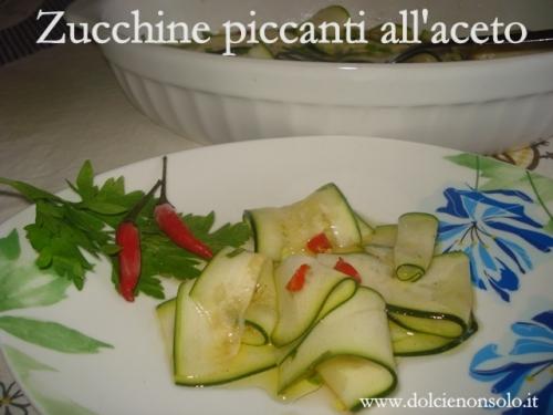 Zucchine piccanti all'aceto