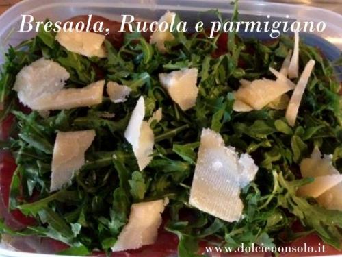 Bresaola con rucola e scaglie di parmigiano